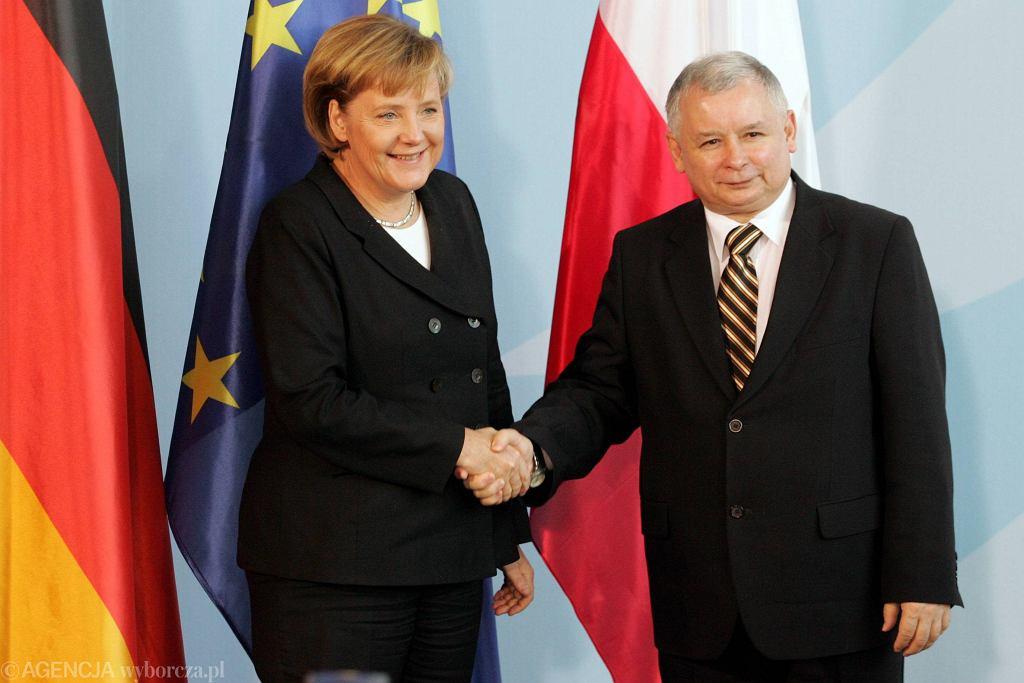 Angela Merkel i Jarosław Kaczyński podczas spotkania w 2006 roku w Berlinie