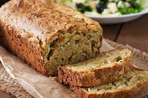 Przepisy na chleb z cukinii, chipsy i plasterki cukinii w panierce