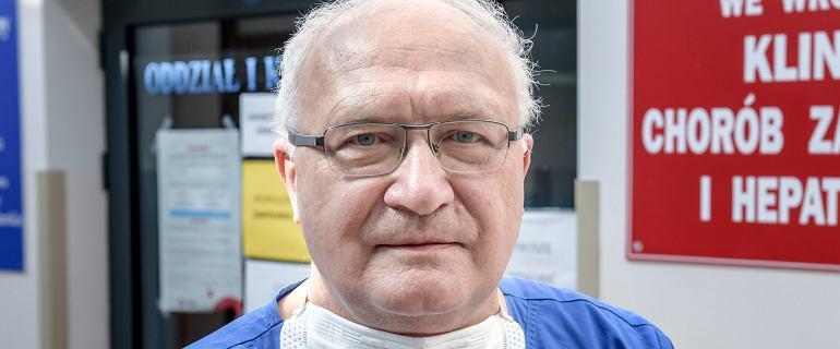 Prof. Krzysztof Simon: Zakaża się 100 tys. ludzi dziennie