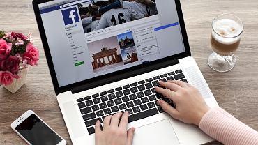 Sprzymierzeńcem w oszczędzaniu może okazać się też... Facebook (fot. Shutterstock)