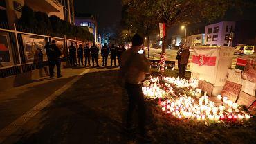 Pod ambasadą Białorusi w Warszawie upamiętniono artystę zamordowanego przez reżim