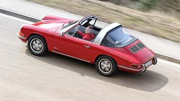 1963: Narodziny Porsche 911. Dwulitrowy, sześciocylindrowy i umieszczony z tyłu silnik typu bokser rozwijał 130 KM i 'kręcił się' do 7000 obr/min.