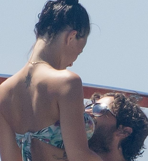 No Credit - Exclusive - Carl Philipp of Sweden and Sofia Hellqvist's girlfriend on holidays in Saint Tropez Carl Philip de Suede;Sofia Hellqvist