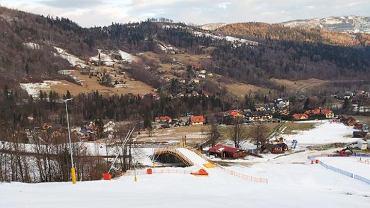 W ośrodku Szczyrk Mountain Resort otwarto w sobotę bardzo popularną trasę nr 1. Po raz pierwszy w historii narciarze i snowboardziści mogą nią bezkolizyjnie przejechać nad ul. Zwalisko