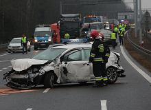 Wypadek na S7. Korek na drodze ekspresowej S7 koło Kielc po zderzeniu 16 samochodów [AKTUALIZACJA]