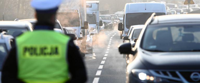 """Zmiany w mandatach. Od soboty do 250 zł za """"niewłaściwy stan sanitarny"""" pojazdu"""