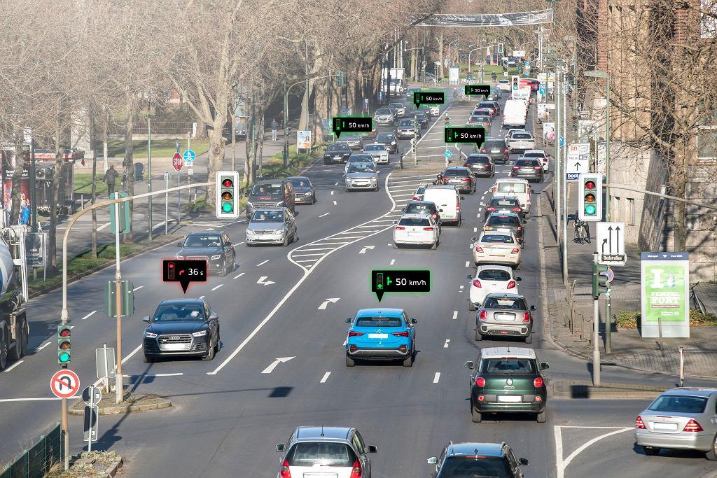 Samochody Audi pomogą przejechać na 'zielonej fali'. Będą komunikować się z sygnalizacją świetlną w Düsseldorfie