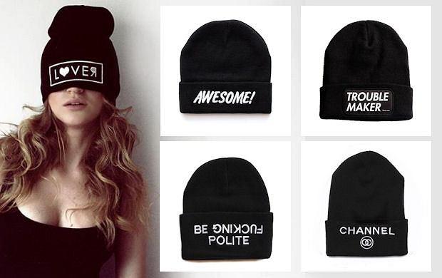Hit: czapki z przesłaniem