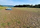 Rząd wykłada się na suszy. Nie ma odszkodowań ani dopłat do nawodnień. W planach tylko wielka infrastruktura