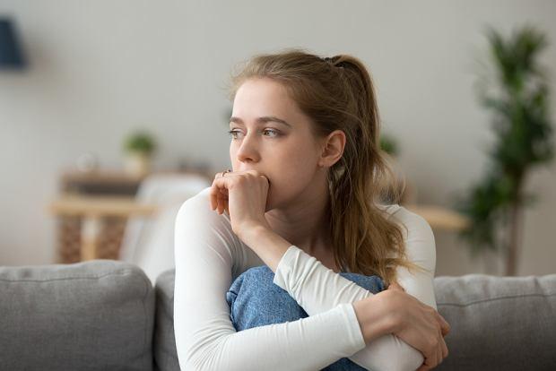 Spadek (obniżenie nastroju): objawy. Kiedy staje się poważnym problemem?