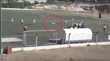 Skandal w Argentynie. Piłkarz kopnął leżącego rywala w głowę.