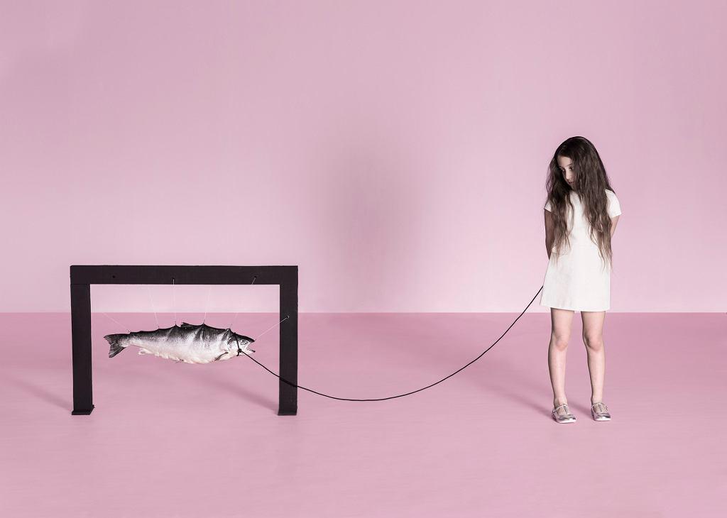 ''Girl & fish'' (fot. Tomasz Wysocki)