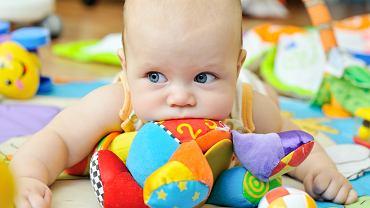 Czy powinniśmy częściej myć zabawki?