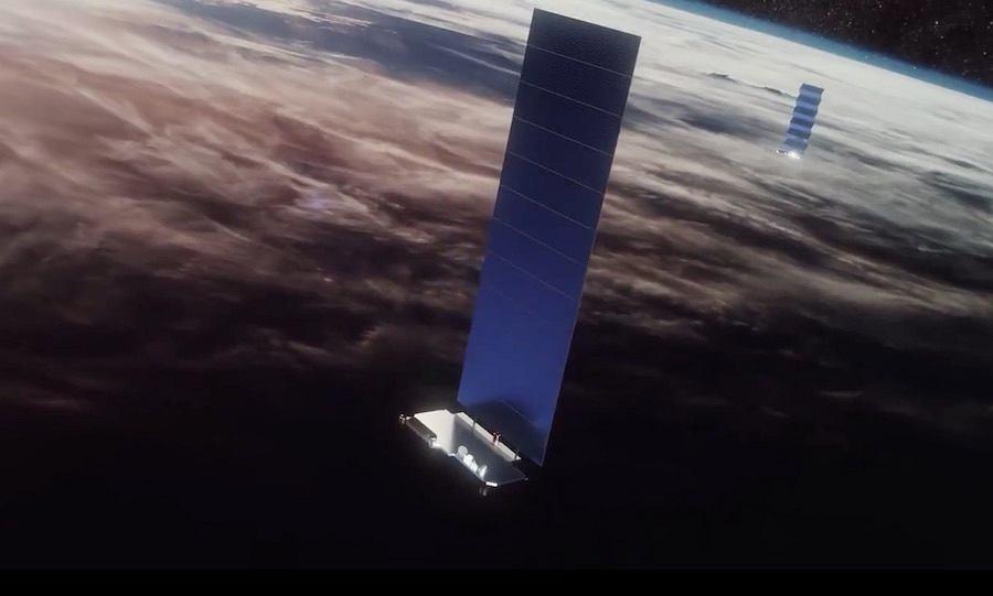 Satelita Starlink na orbicie z rozwiniętym panelem słonecznym (wizja artysty)