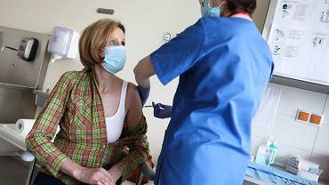 Kiedy będziesz mógł się zapisać na szczepienie? Wyjaśniamy zamieszanie z datami (zdjęcie ilustracyjne)