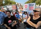 Frankowicze grożą bankom, miasteczko namiotowe przed Sejmem