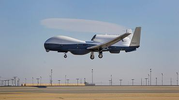 Dron MQ-4C