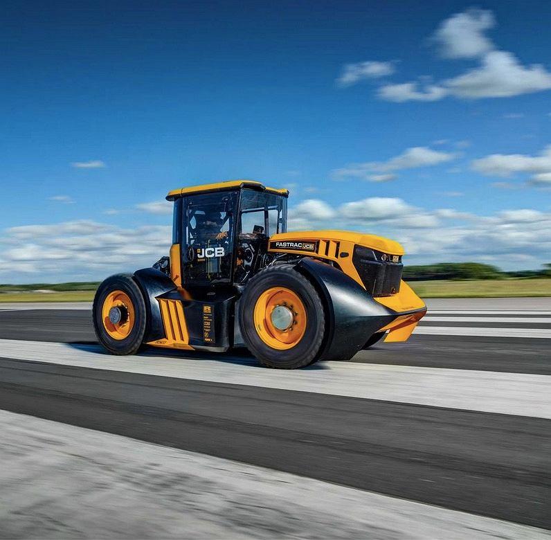JCB Fastrac - najszybszy traktor na świecie