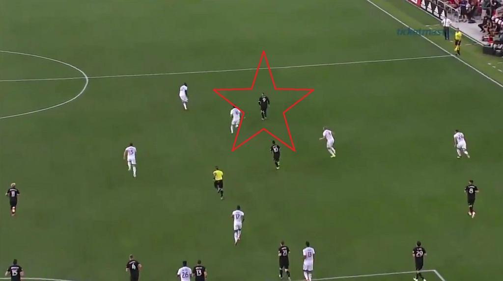Wayne Rooney strzelił fenomenalnego gola [WIDEO]