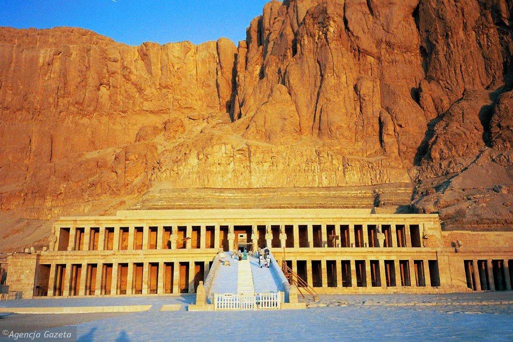 Polsko-egipska misja archeologiczna w świątyni Hatszepsut w Deir el-Bahari, rok 2000