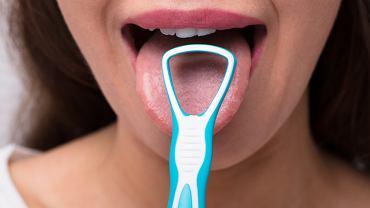 Lekarz wyjaśnia, że nieświeży oddech nie musi mieć związku ze stanem jamy ustnej, a nawet gardła