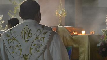 Czytał na mszy kto i ile dał na kolędzie | Zdjęcie ilustracyjne