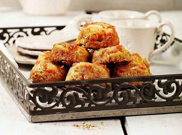 Karmelizowane muffinki z rabarbarem