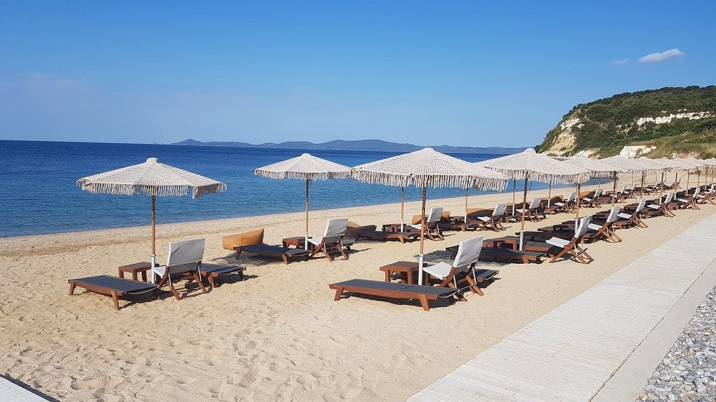 Grecy czekają na turystów