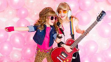 Piosenki dla dzieci nie tylko umilają czas, mają także walory edukacyjne.