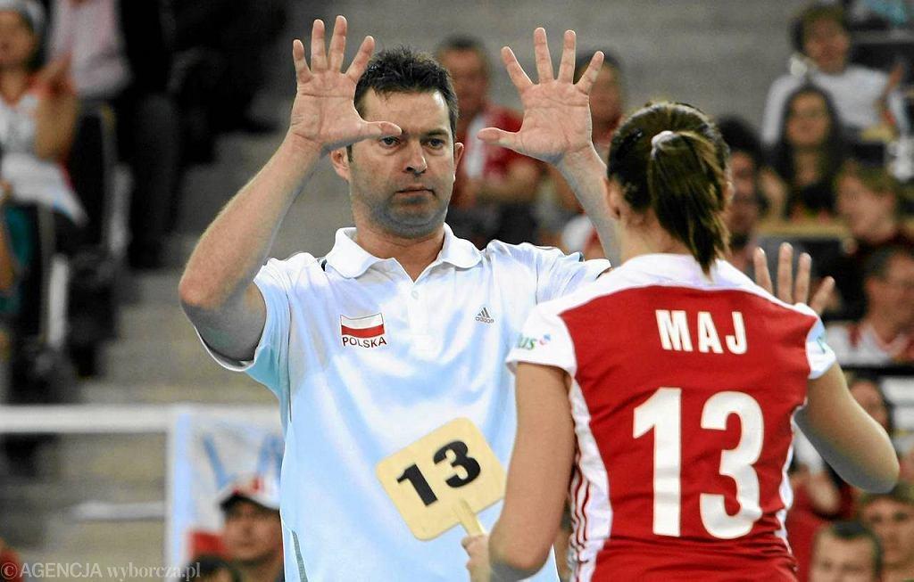 Trener reprezentacji Polski w siatkówce kobiet Piotr Makowski i libero Paulina Maj w Atlas Arenie