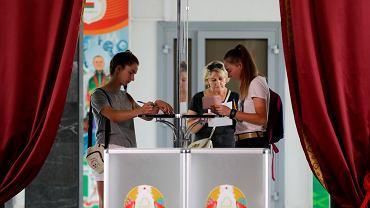 Głosowanie w wyborach na prezydenta Białorusi, Mińsk, 9 sierpnia 2020.