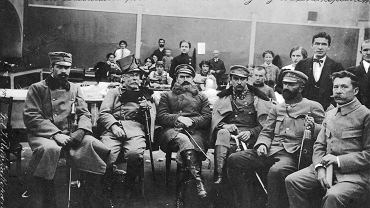 Józef Piłsudski w pracowni krawieckiej Intendentury Legionów Polskich. Zakopane 1914