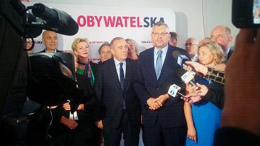 Grzegorz Schetyna i kandydaci KO na konferencji w Toruniu