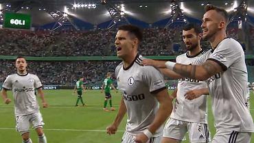 Bartosz Kapustka cieszy się z gola dla Legii w el. LM