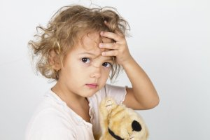 Ból głowy u dziecka - przyczyny, jak sobie z nim radzić