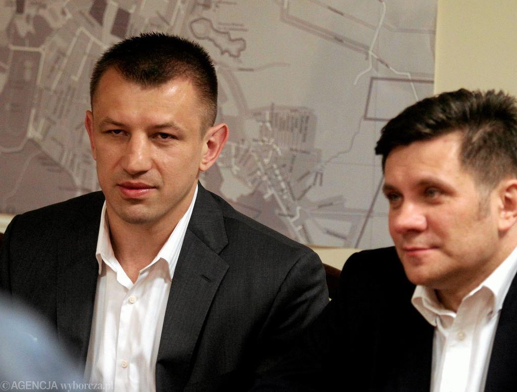 W maju tego roku zapragnął zostać europosłem. Kandydował z list Solidarnej Polski, ale jego ugrupowanie nie dostało się do Europarlamentu.