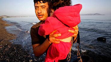 Syryjscy uchodźcy przypłynęli we wtorek na grecką wyspę Kos. Uratowano ich na Morzu Egejskim, kiedy próbowali przepłynąć z Turcji do Grecji