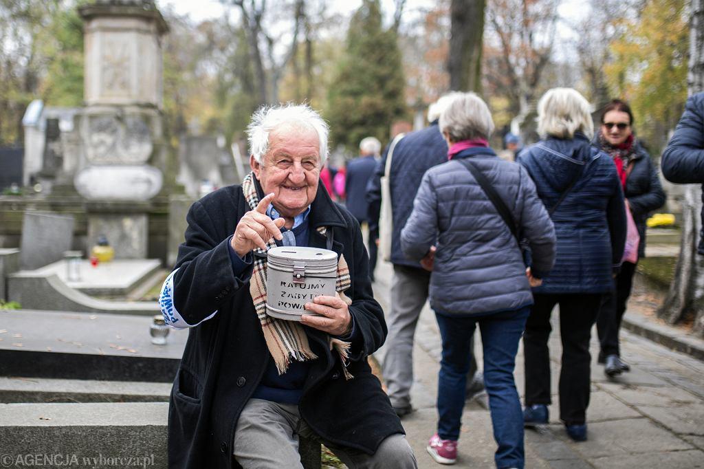Kwesta na zabytki Powązek w Warszawie