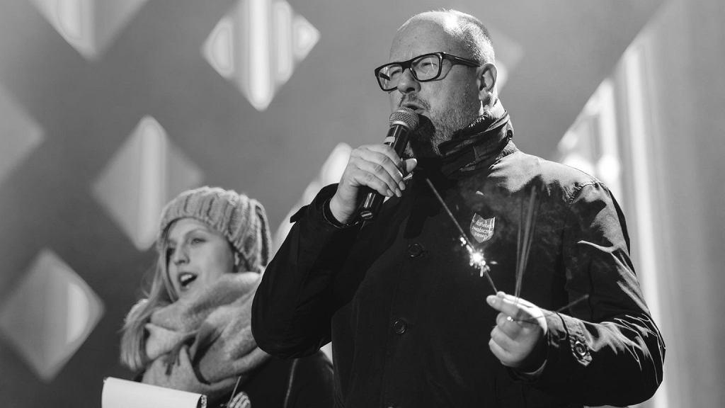 Paweł Adamowicz podczas Finały WOŚP w Gdańsku. Chwilę później został ugodzony nożem prze Stefana W.