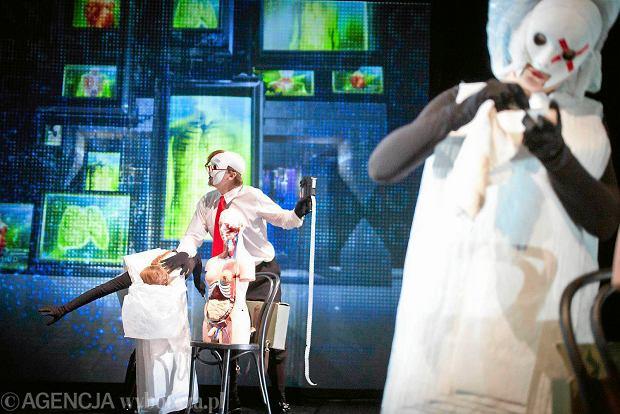 Próba spektaklu 'Czy pan istnieje, Mr Johnes?' w reż. Krzysztofa Raua