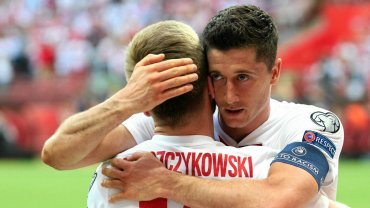 Robert Lewandowski jest liderem strzelców w el. do Euro 2016