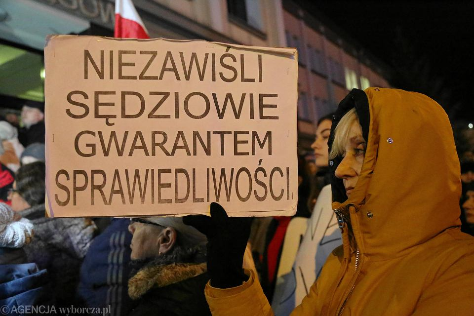 Wolne sądy. Protest w Białymstoku, w środę 18 grudnia, w obronie niezawisłości sędziowskiej