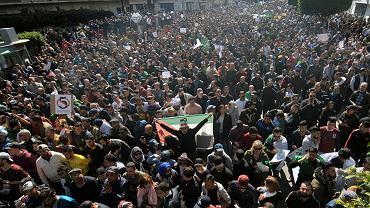 1.03.2019, Algier, wielotysięczne protesty przeciwko prezydentowi Abdelazizowi Bouteflice.
