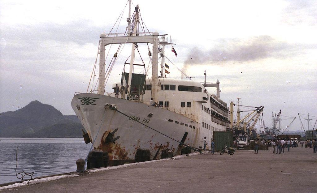 Dona Paz w 1984 roku w porcie Tacloban