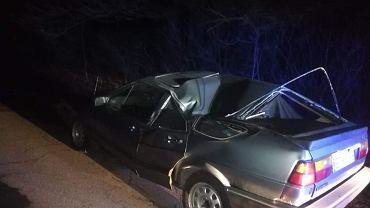 Policjanci z Łodzi zatrzymali do zgnieciony samochód do kontroli