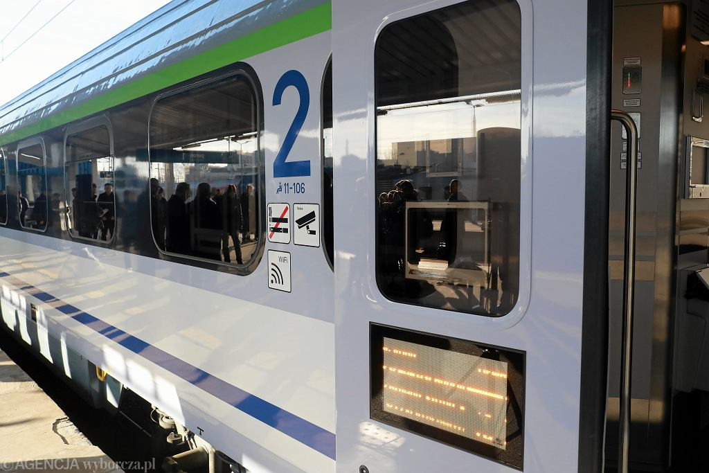 PKP poinformuje SMS-em lub mailem o opóźnieniu pociągu