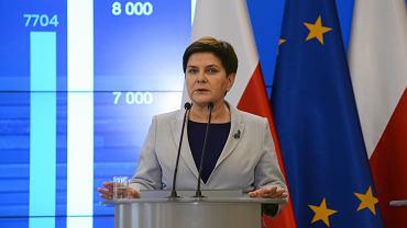 Wicepremier Beata Szydło na konferencji prasowej dotyczącej ogólnopolskiego strajku nauczycieli