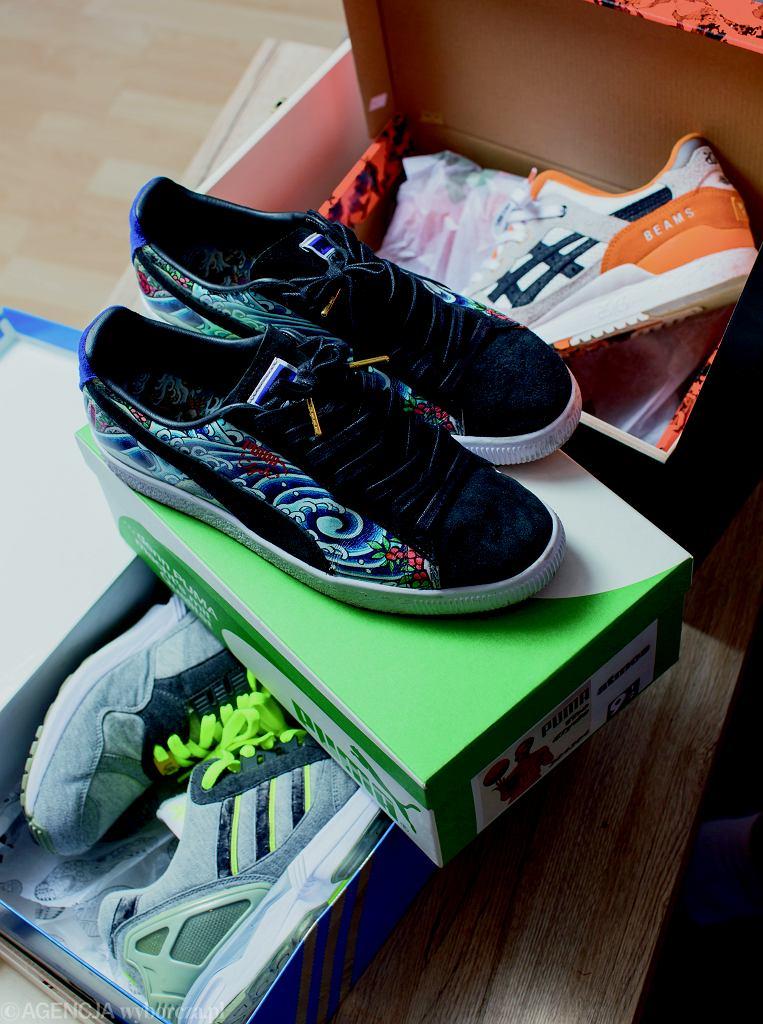 'Instabaks' ma w domu ponad 500 par sportowych butów i o każdej z nich potrafi coś ciekawego opowiedzieć, bo nic nie trafiło do jego kolekcji przypadkiem.