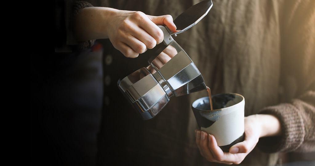 Kawiarka - prosty sposób na dobrą kawę. Ile kosztuje i jak jej używać?