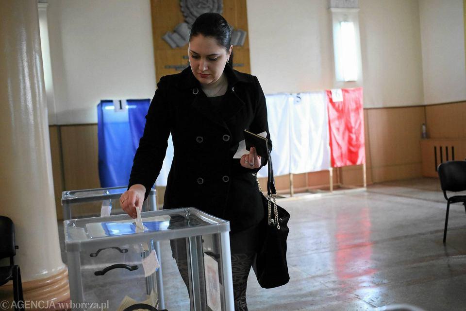 W głosowaniu uczestniczyło 1,3 mln osób - poinformował szef komisji referendalnej Michaił Małyszew